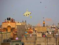 Kite flying goes unabated in city Rawalpindi