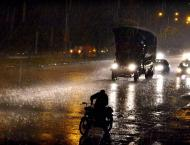 Karachiites wake up Monday with heavy showers, thunder