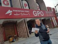 Martin Kobler sends parcel to Berlin via Pakistan Post