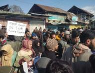 Zafar Akbar Butt expresses solidarity with families of martyrs, d ..