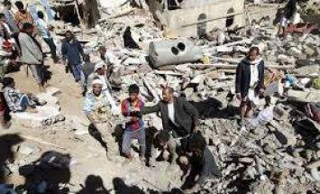 مقتل وإصابة 35 يمنيا بقصف صاروخي على مخيم ..