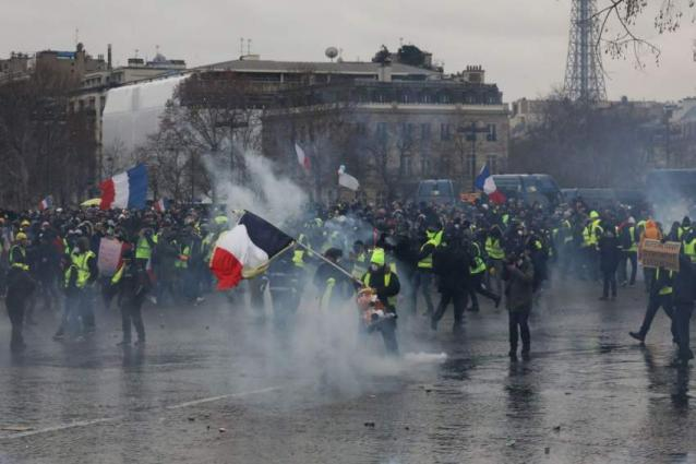 Over 100 People Detained in Paris Amid 9th Yellow Vest Rally - Reports