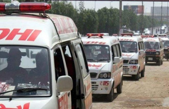 11 injured in road accident in Peshawar