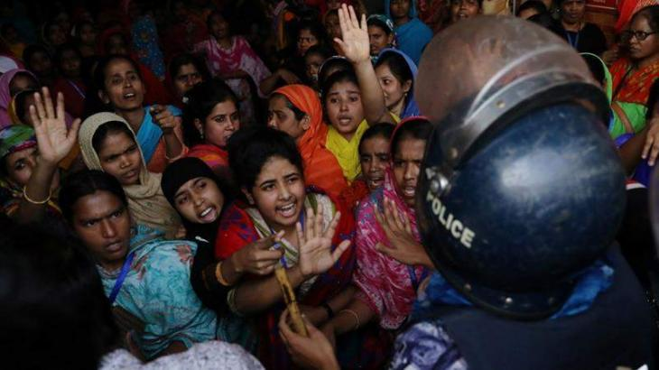 Thousands of garment workers continue protest in Bangladesh