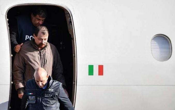 Fugitive ex-militant Battisti arrives in Italy