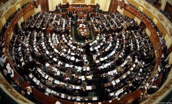 اللجنة العامة بالبرلمان المصري توافق ..