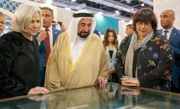 حاكم الشارقة يزور معرض القاهرة الدولي ..