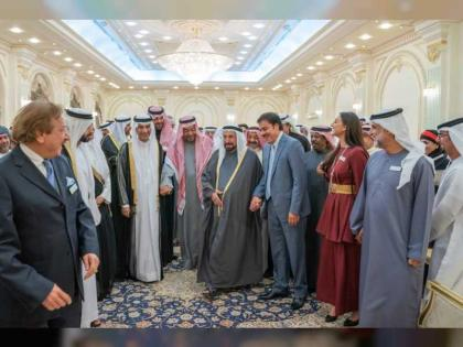 سلطان القاسمي يشهد انطلاق فعاليات الدورة الثالثة من مهرجان الشارقة للمسرح الخليجي