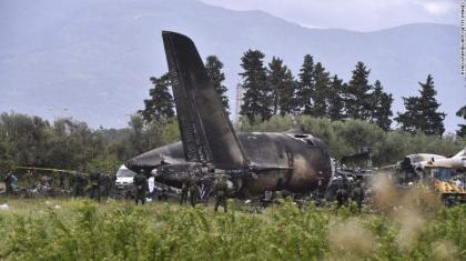 تحطم مروحية عسكرية غربي الجزائر ومقتل اثنين من طاقمها