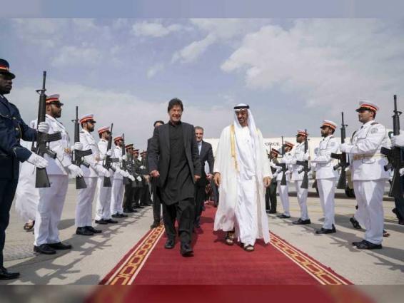 Mohamed bin Zayed receives Pakistan Prime Minister