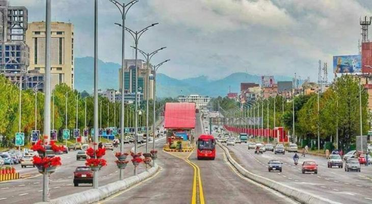 Pakistan's Cleanest City: At 51%, majority of Pakistanis believe Islamabad is the cleanest city of Pakistan, followed by Lahore at 21%.