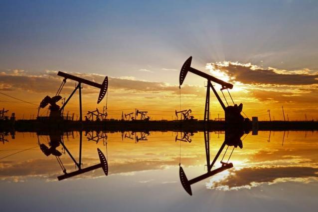 Opec oil production falls as Saudi Arabia slashes output