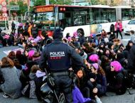 Hundreds of Female Demonstrators Block Off Traffic at Buenos Aire ..