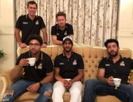 Peshawar Zalmi players enjoy desi breakfast in Karachi