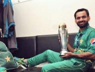 Hafeez shares winning moments with PAF's Hassan Siddiqui, prese ..