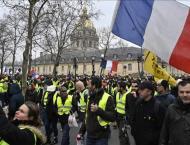 Over 7,000 People Taking Part in Yellow Vest Rallies in Paris - F ..