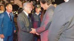 رئيس الوزراء الماليزي يعرض التعاون لنظيره الباكستاني في ..