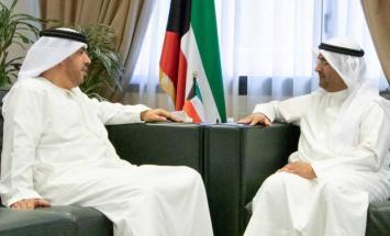 وزير المالية الكويتي يستقبل سفير الدولة ..