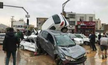 الشرطة الإيرانية تغلق طرقا بمحاذاة الأنهار ..