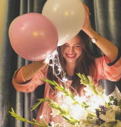 Actress Zara Noor Abbas celebrates birthday with friends and family