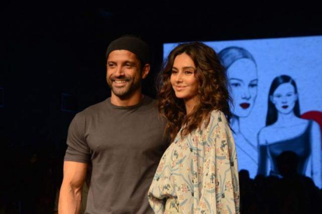 Farhan Akhtar's Impending May Marriage Depends on his Girlfriend Shibani Dandekar. Here's Why