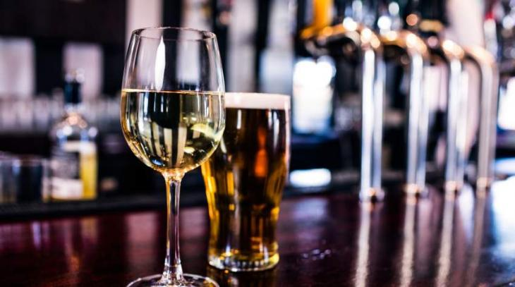 Lahore hotel gets license to sell alcohol