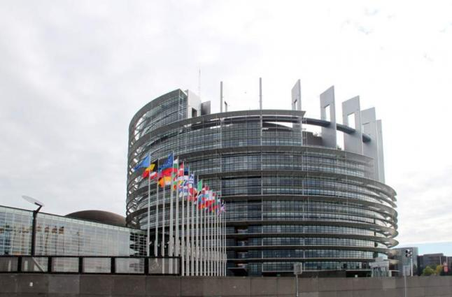 EU Parliament Adopts Resolution Supporting Only 2 Scenarios for Emissions Cuts