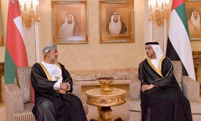 Mansour bin Zayed receives Omani minister