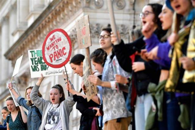 Hundreds of Students Rally at US Capitol as Peers Worldwide Demand Climate Change Action