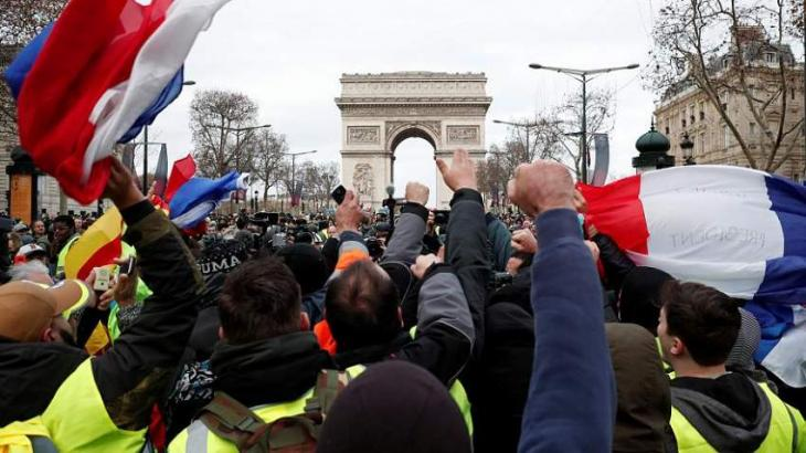 Number of Those Detained in Saturday Yellow Vest Rallies in Paris Rises to 94 - Reports