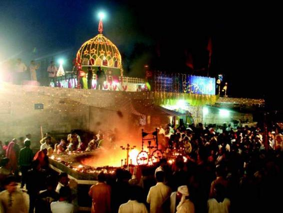 Local Holiday In Lahore On Mela Chiraghan - UrduPoint