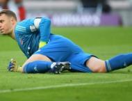 Injured Neuer dismisses retirement rumours, eyes return