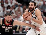 Bucks sweep Pistons to advance, Jazz stave off elimination