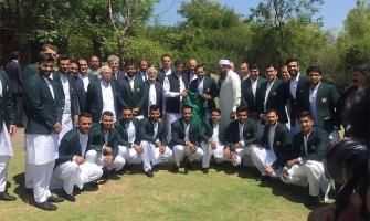 World Cup squad meets Prime Minister Imran Khan