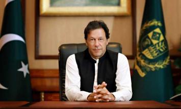 رئيس وزراء باكستان  يجري أول تعديل  وزاري ..