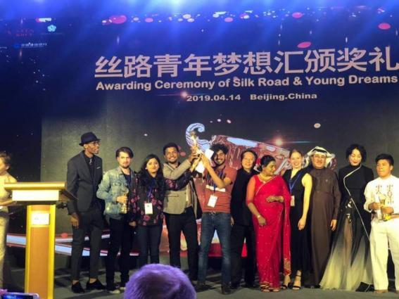 Talented pakistani shine at awards