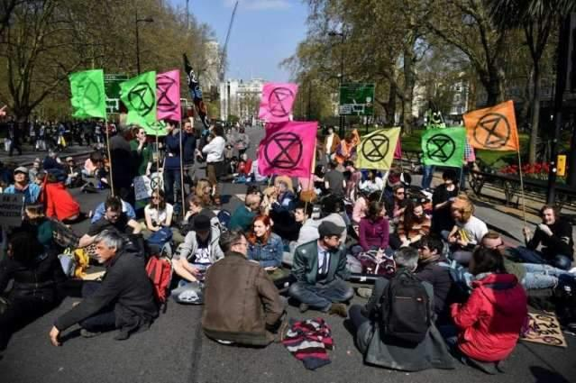 Metropolitan Police Say Detained Over 100 Protesters During Environmental Rally in London
