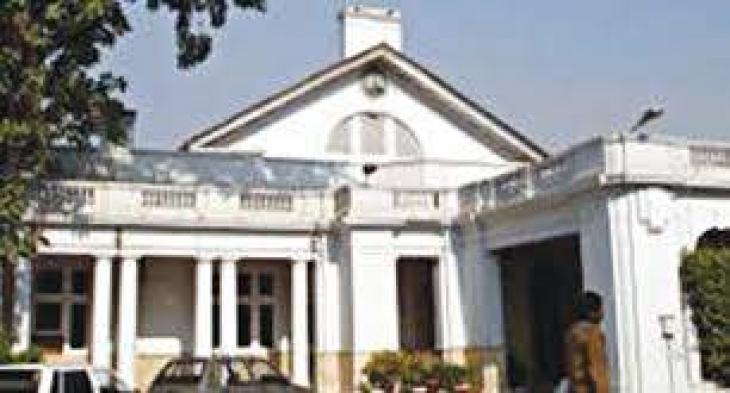 Punjab government mulls over bringing new provincial chief secretary
