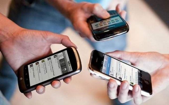 38 Percent Pakistanis spend 2 hours or more in a day using a mobile phone