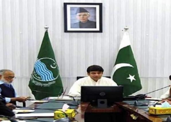 Deputy Commissioner (DC) Bahawalpur, Shozab Saeed visits land record centres