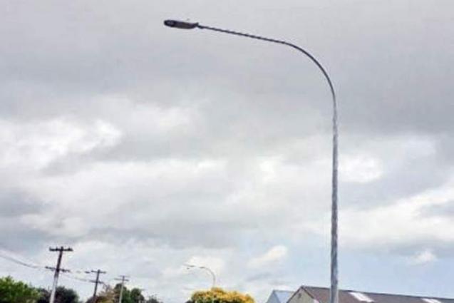 Installation of new street lights underway in district East Karachi
