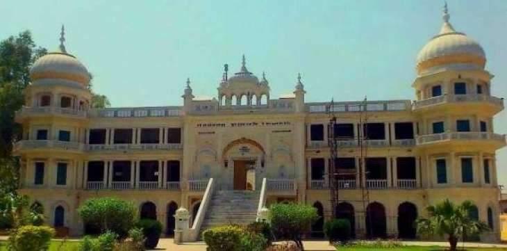 Sikh yatrees visit Gurdwara Sucha Sauda