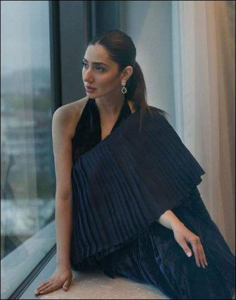 Mahira Khan Beautifully Embraces Herself As She Ages - UrduPoint