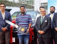 Shell and Visa present Toyota Fortuner and Honda Civic to the luc ..