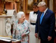 Queen Elizabeth throws lavish state banquet for Trump
