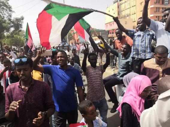 Military Police Open Fire Against Protesters Near Armed Forces' Headquarters in Khartoum