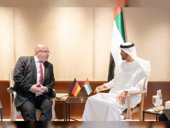 محمد بن زايد ووزير الاقتصاد الألماني يبحثان علاقات التعاون بين البلدين