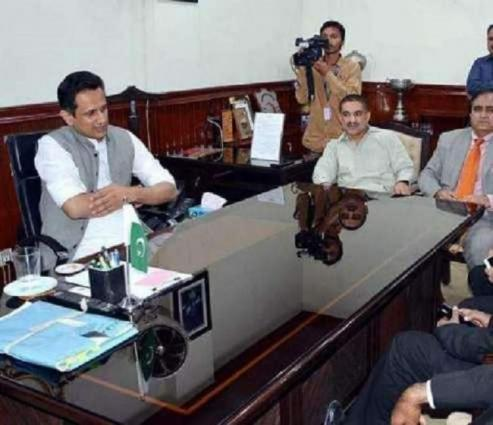 Deputy Commissioner Faisalabad directs for completion of uplift schemes by June 30