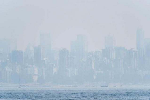 Canada must double its carbon tax to reach emissions target: report