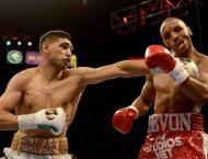 Amir Khan defeats Billy Dib to claim WBC int'l welterweight title ..